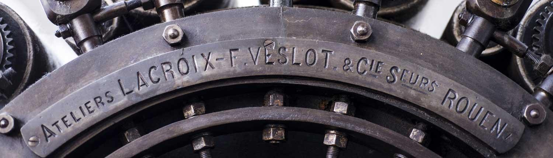 rouages d une vieille machine textile - collection du musee